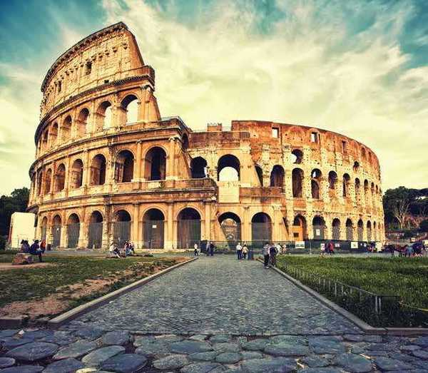Roman Architecture studying historic roman architecture-virtually // news // school